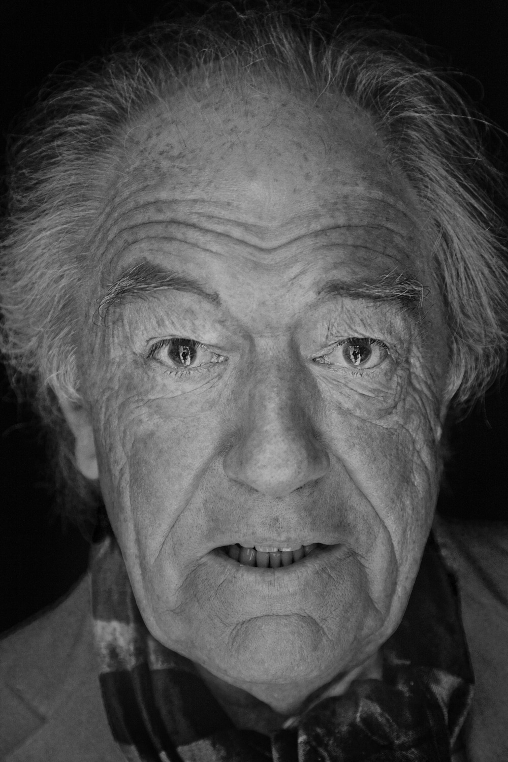 MICHAEL GAMBON PHOTOGRAPHED AT THE GATE THEATRE BY BARRY MCCALL FO PHO20GRAPHY