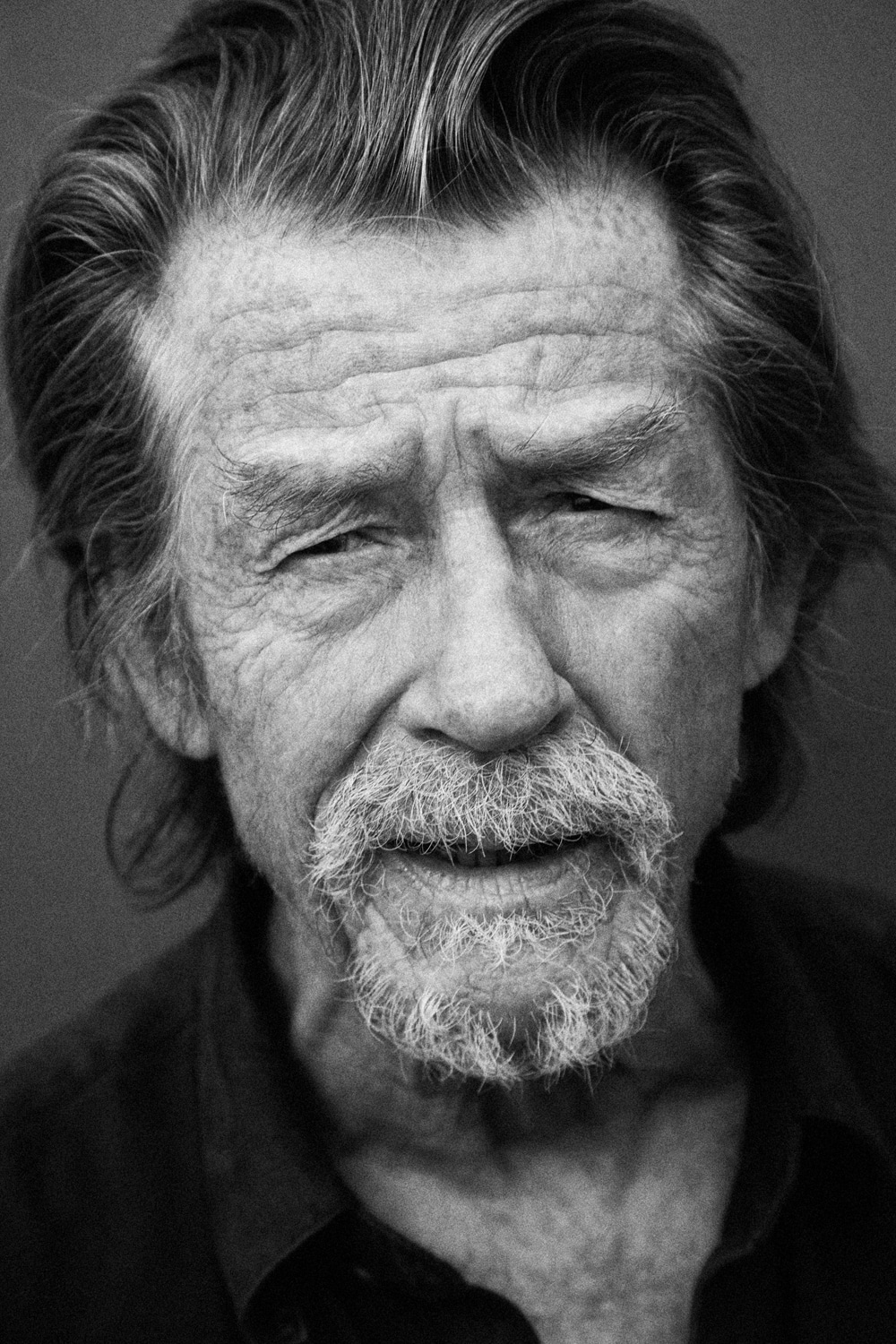 JOHN HURT ON SOHO ROOFTOP PHOTOGRAPHED BY BARRY MCCALL FOR PHO20GRAPHY